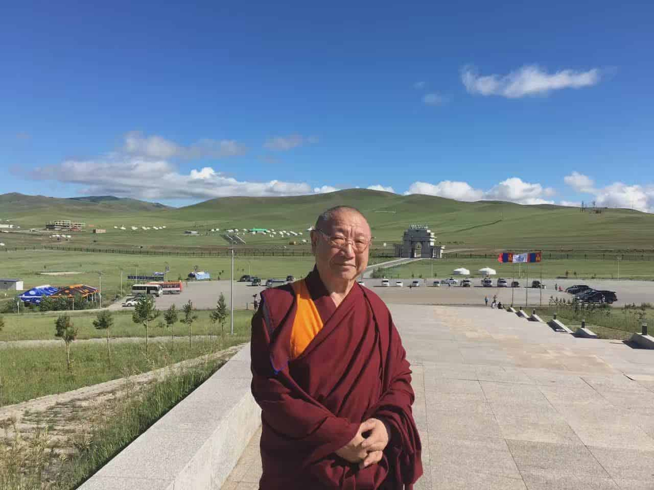 gosok-rinpoche-mongolia-2016-555097d0a677fd788d4dd0d6e59cf35