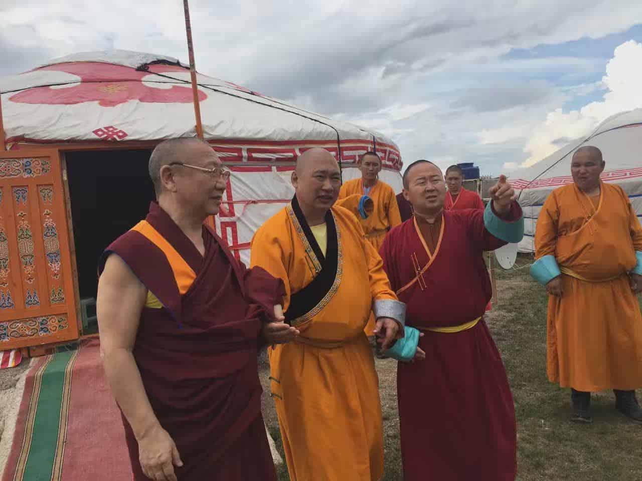 gosok-rinpoche-mongolia-2016-db262d0b6da58cab953eb6ba959b7e2