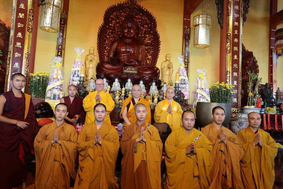gosok-rinpoche-vietnam-2016-075a0439_resize
