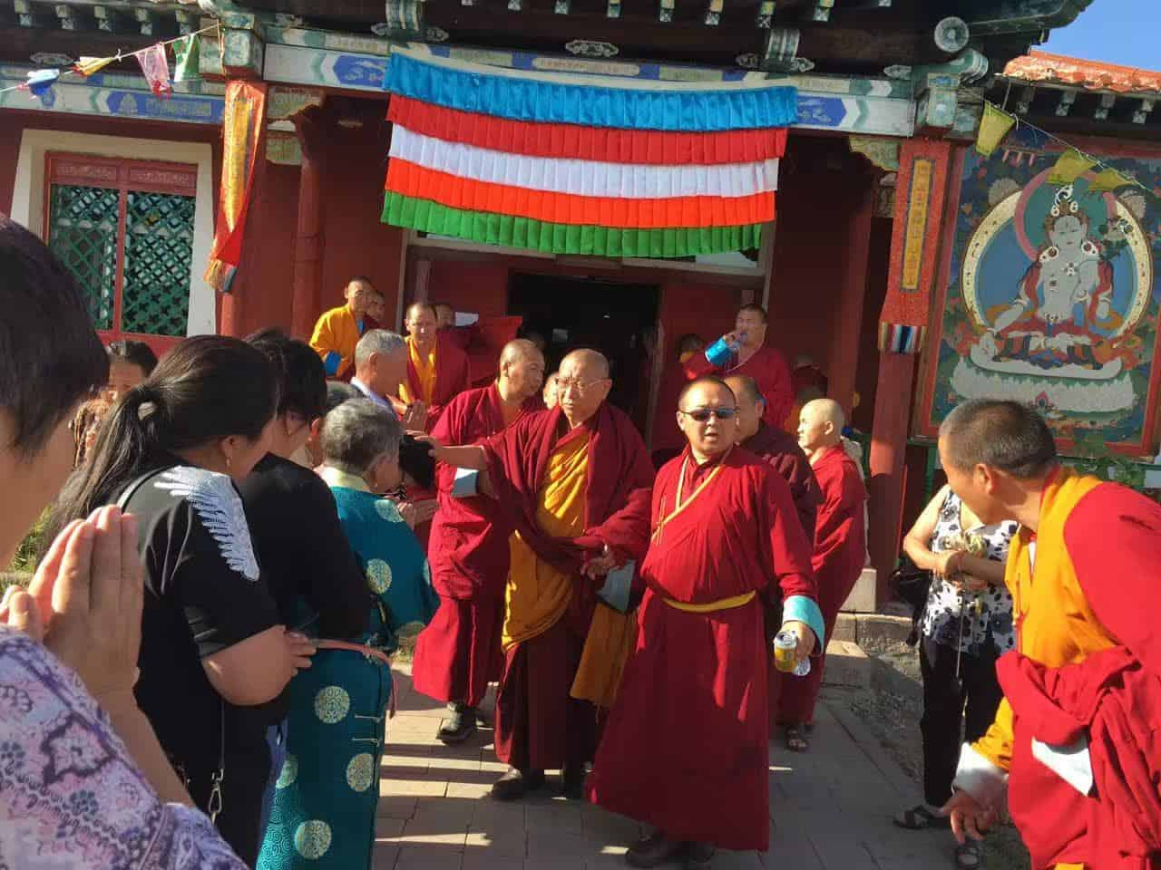 gosok-rinpoche-mongolia-2016-f3501a23a5543589a63fc2fb2eb49e1