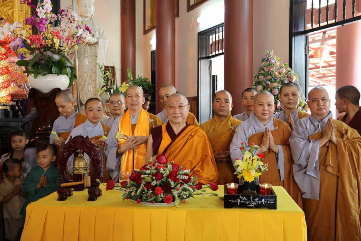 gosok-rinpoche-vietnam-2016-075a0304_resize