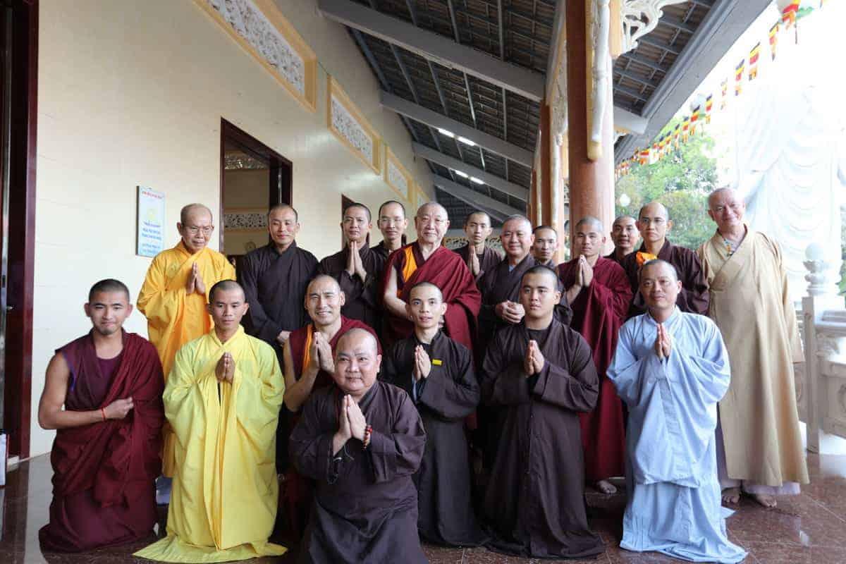 gosok-rinpoche-vietnam-2016-075a0375_resize