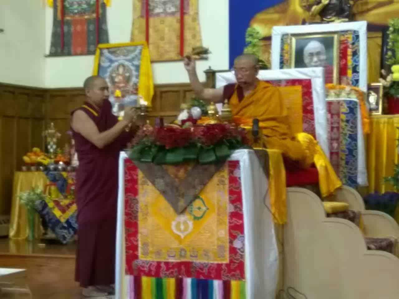 Gosok Rinpoche Toronto 2017-04 005 889beb277517b39510a0bd524ace4ad