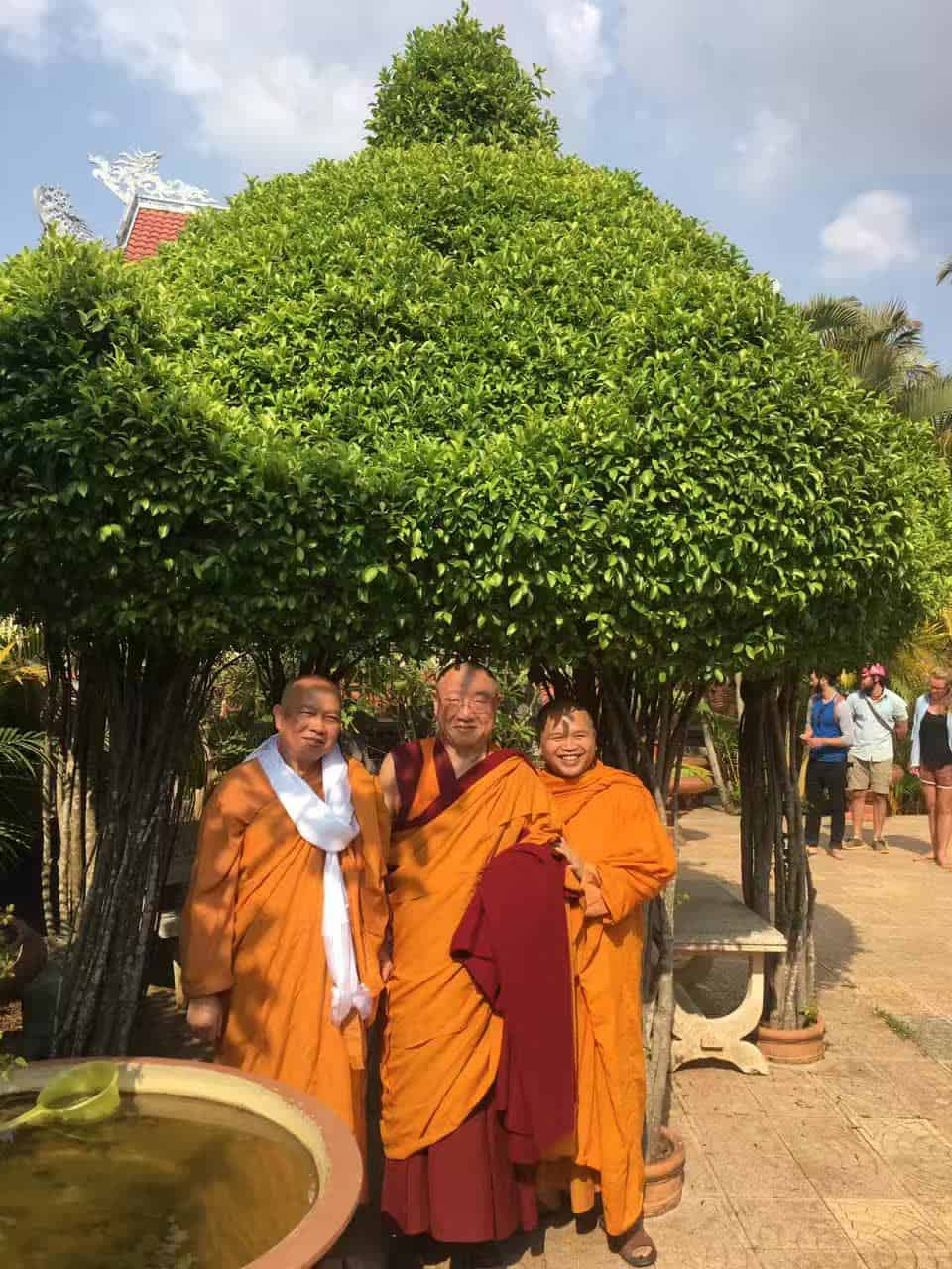 Gosok Rinpoche Vietnam 2017-03-06 084c49067b0e8dd164bb04bffd7cc8e