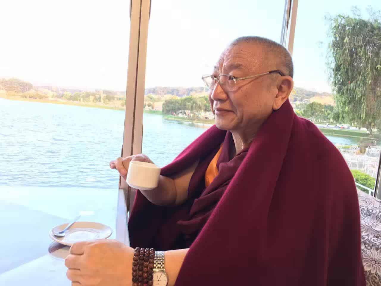 Gosok Rinpoche Vietnam 2017-03-07 10b8f31f9101335fe822e6a72bbca18