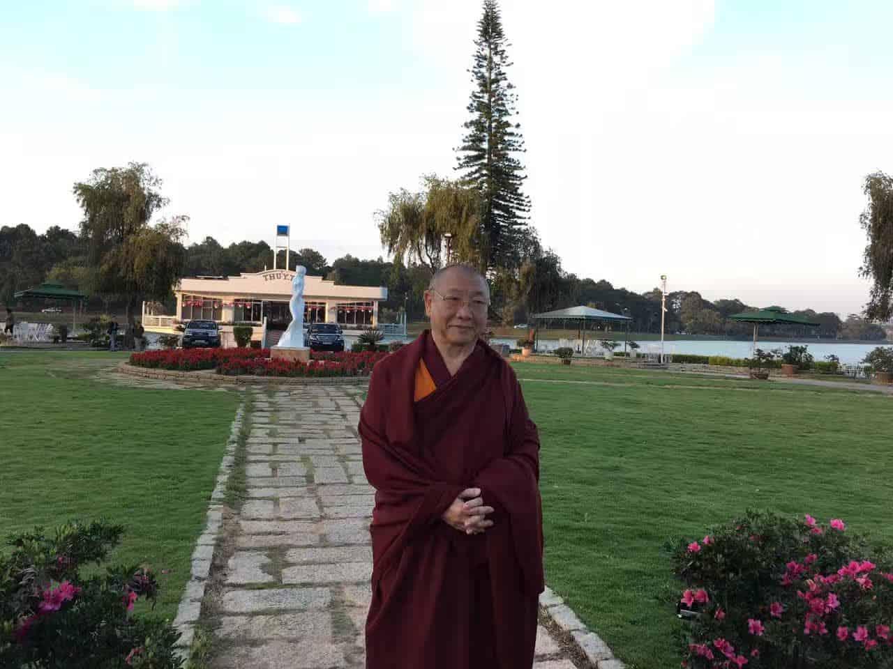 Gosok Rinpoche Vietnam 2017-03-07 980dfbaa470f4b6ed433236e6496662