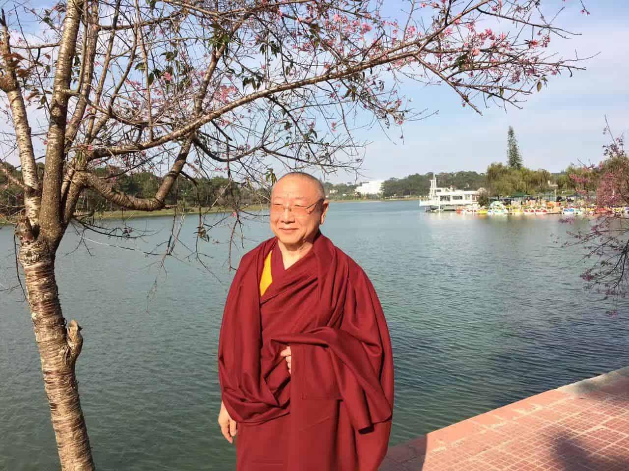 Gosok Rinpoche Vietnam 2017-03-07 afaf23c0b280b308ae865f28a4a426e