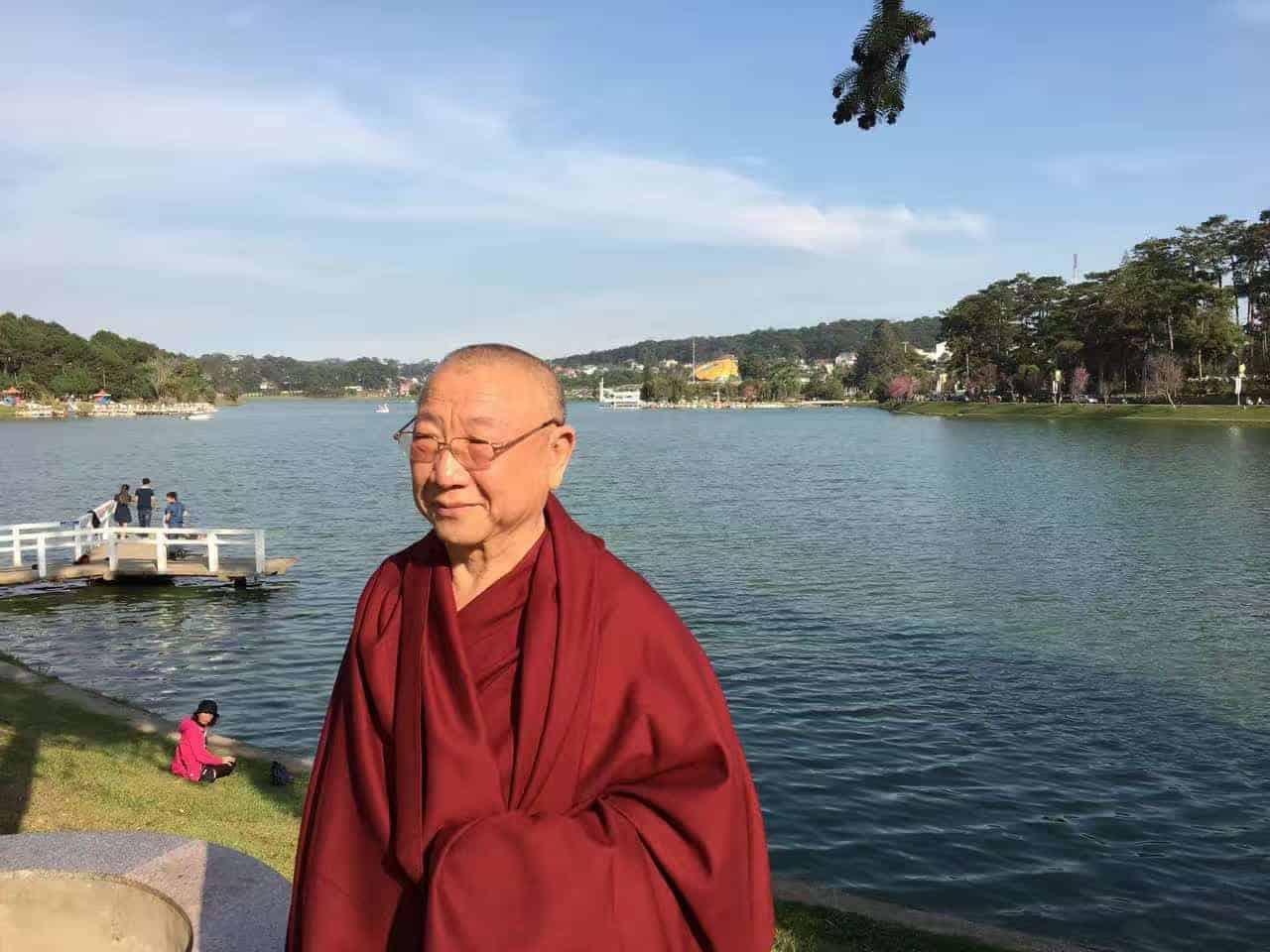Gosok Rinpoche Vietnam 2017-03-07 df77137716757399d117b7f5115952e