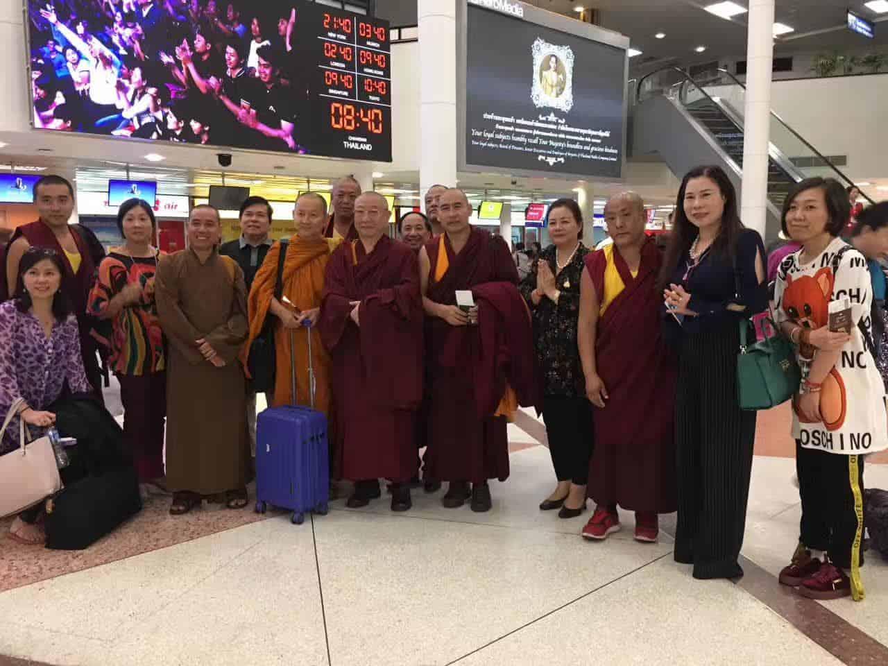 Gosok Rinpoche Thailand 2017 T009 09971c91bfa89ca33b18d056224fe99