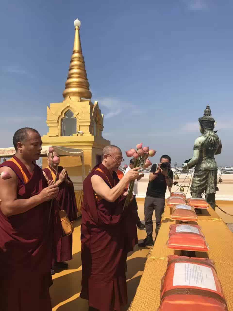 Gosok Rinpoche Thailand 2017 T024 5206db24d258f07d37e1f81e6a5a28c