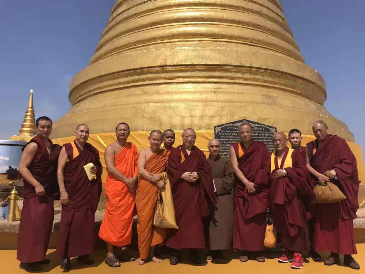 Gosok Rinpoche Thailand 2017 T025 1d6c8437b573f2d150df6108a9e02e4
