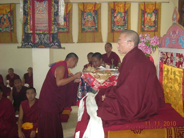 2010-11-11 Gosok Rinpoche in Gosok Ladang 37
