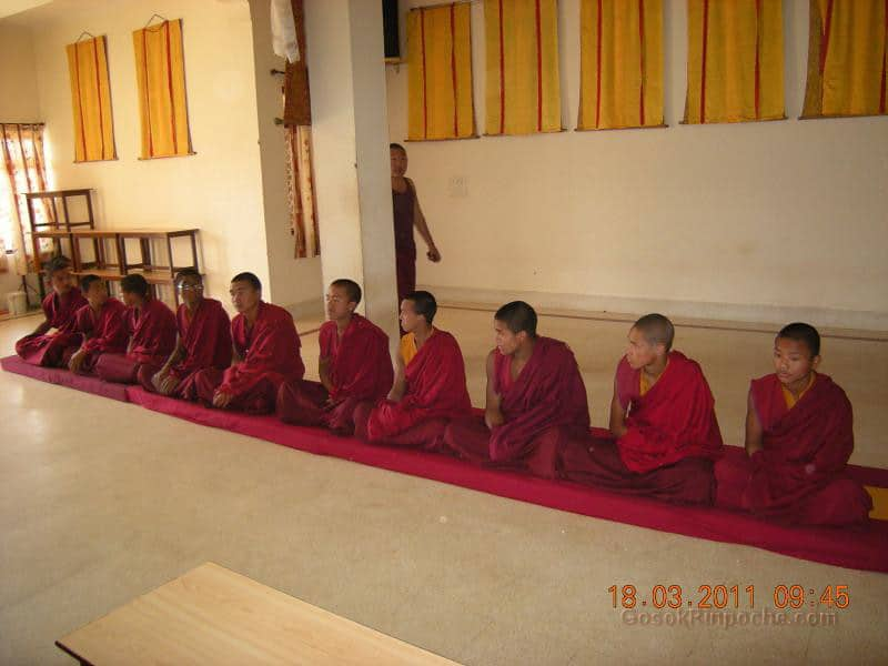 Gosok Ladang 2011-03-18 Arrival of 25 Small monks 5537309852_bb9d579842_b