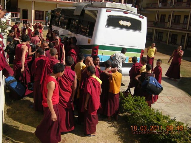 Gosok Ladang 2011-03-18 Arrival of 25 Small monks 5537310084_aa5e853ee8_z
