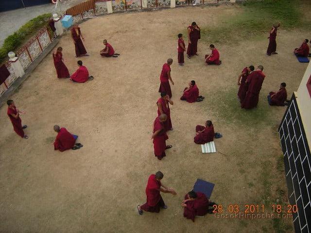 Gosok Ladang 2011-03-25 Practicing Debate 5575941087_afe1ce92bb_z