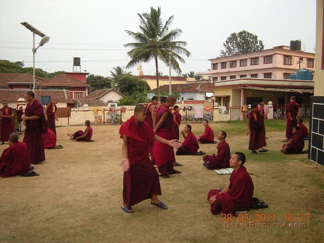 Gosok Ladang 2011-03-25 Practicing Debate 5576526554_b5bfd4dcf1_z