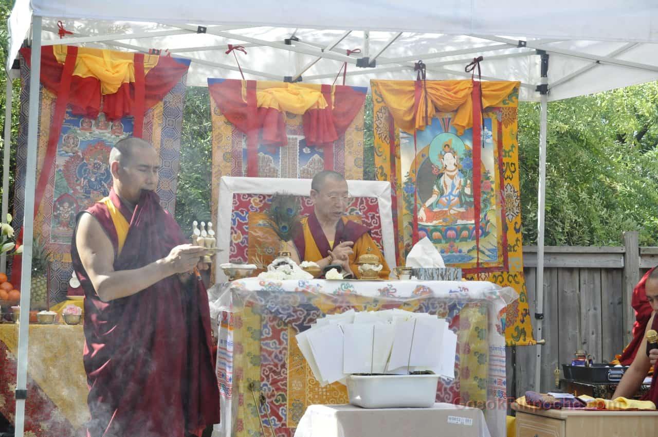 Gosok Rinpoche 2011 Toronto _DSC0042
